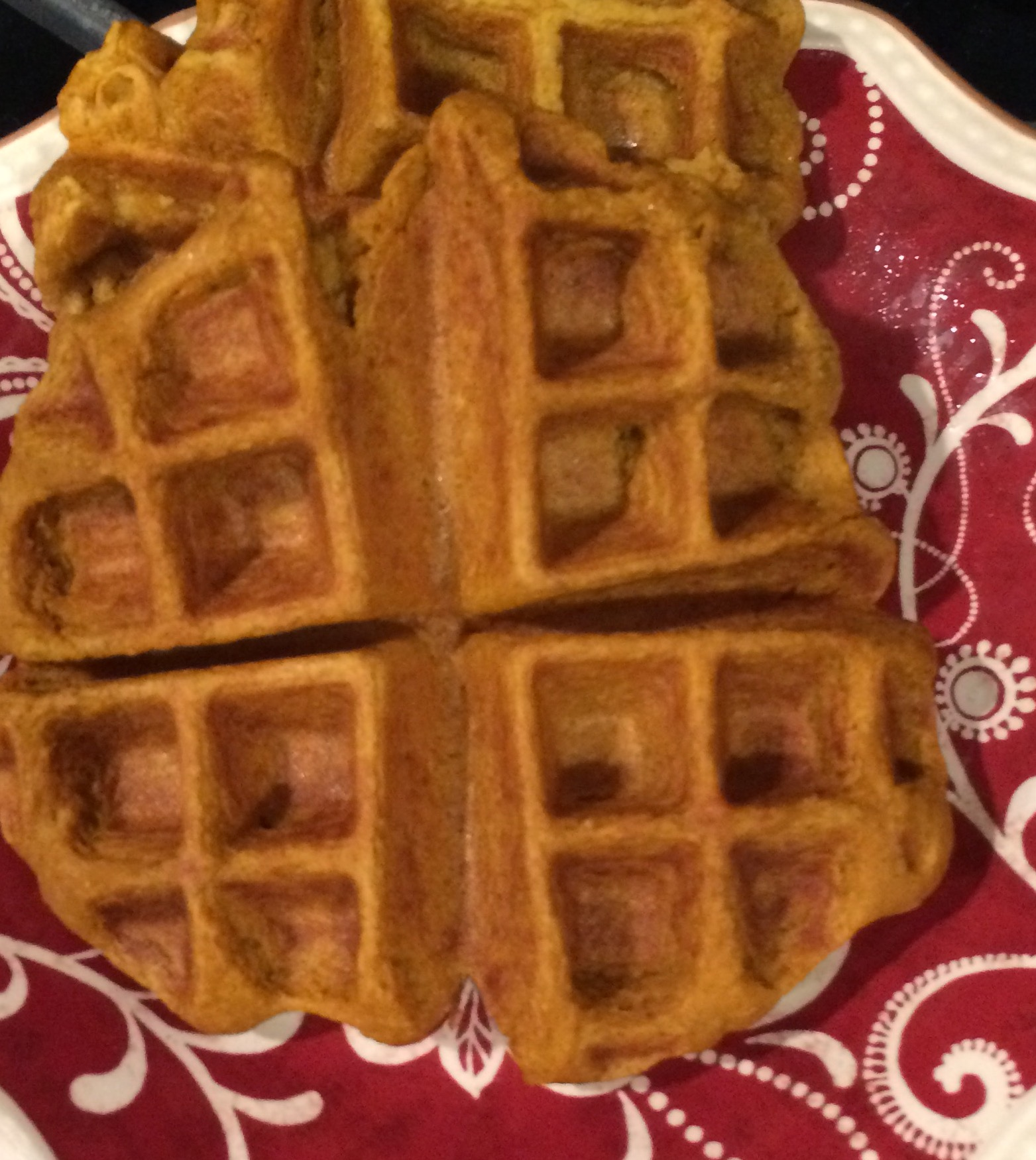 Easy, Healthy Pumpkin Banana Oatmeal Waffles | fit mama in progress